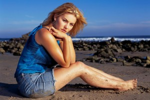 elisha cuthbert wallpapers hd A2