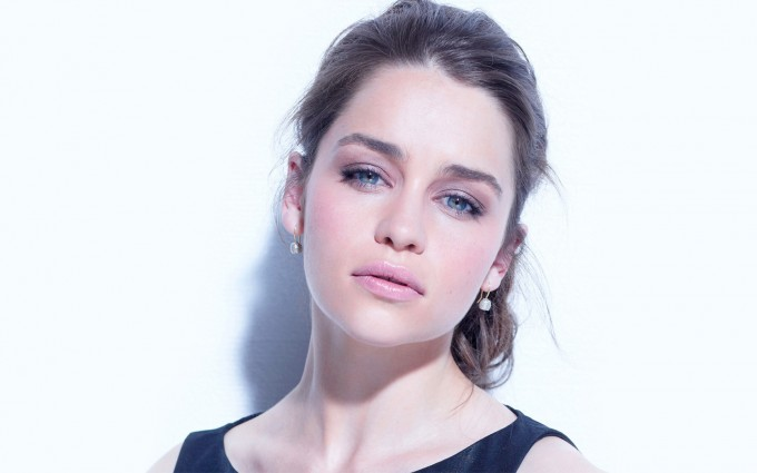 emilia clarke wallpapers hd A9