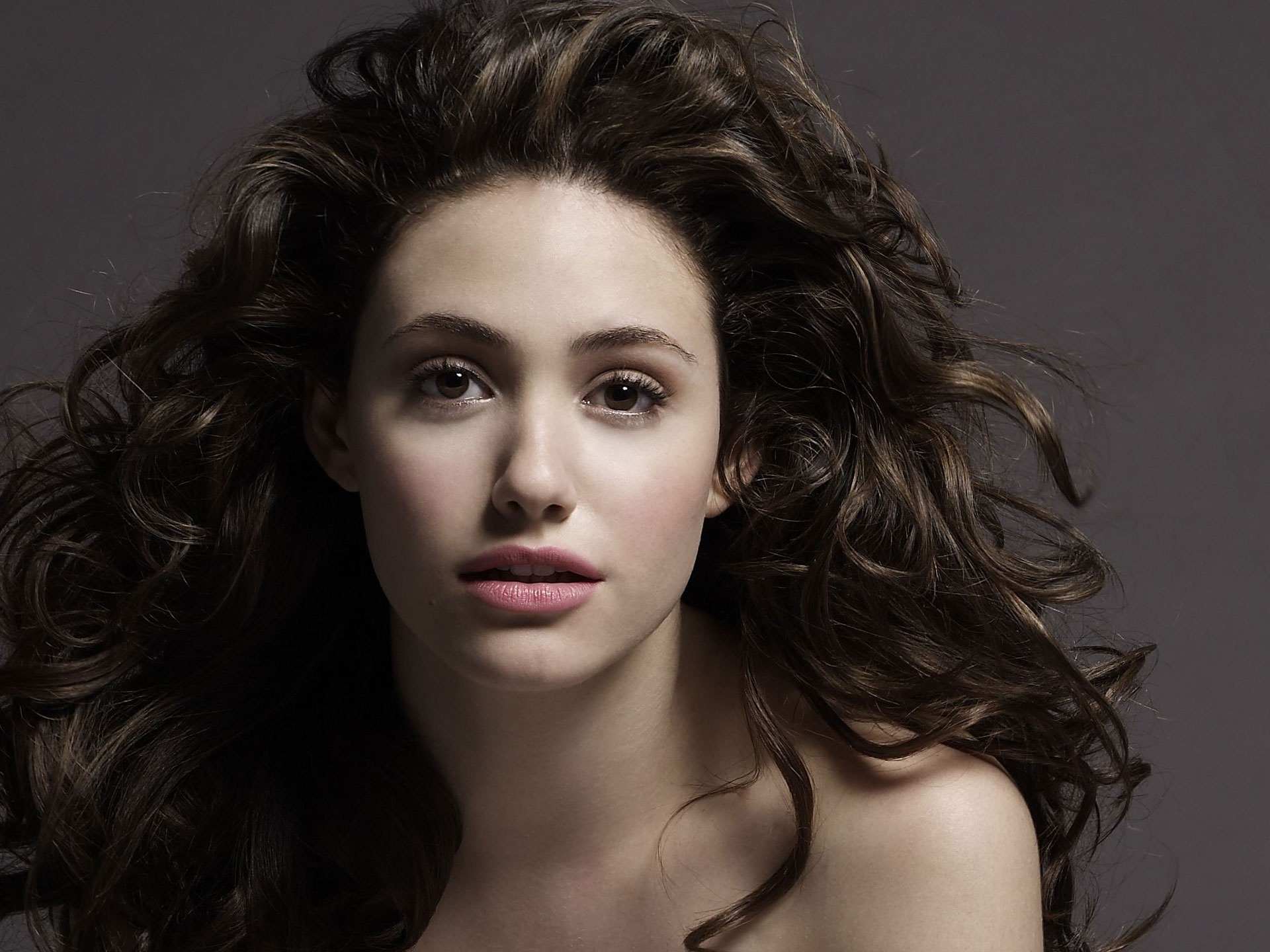 emmy rossum wallpapers hd A1