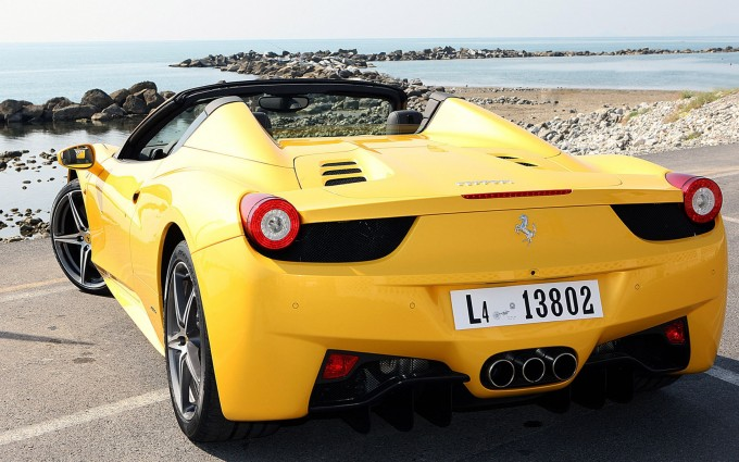 ferrari 458 spider yellow wallpaper