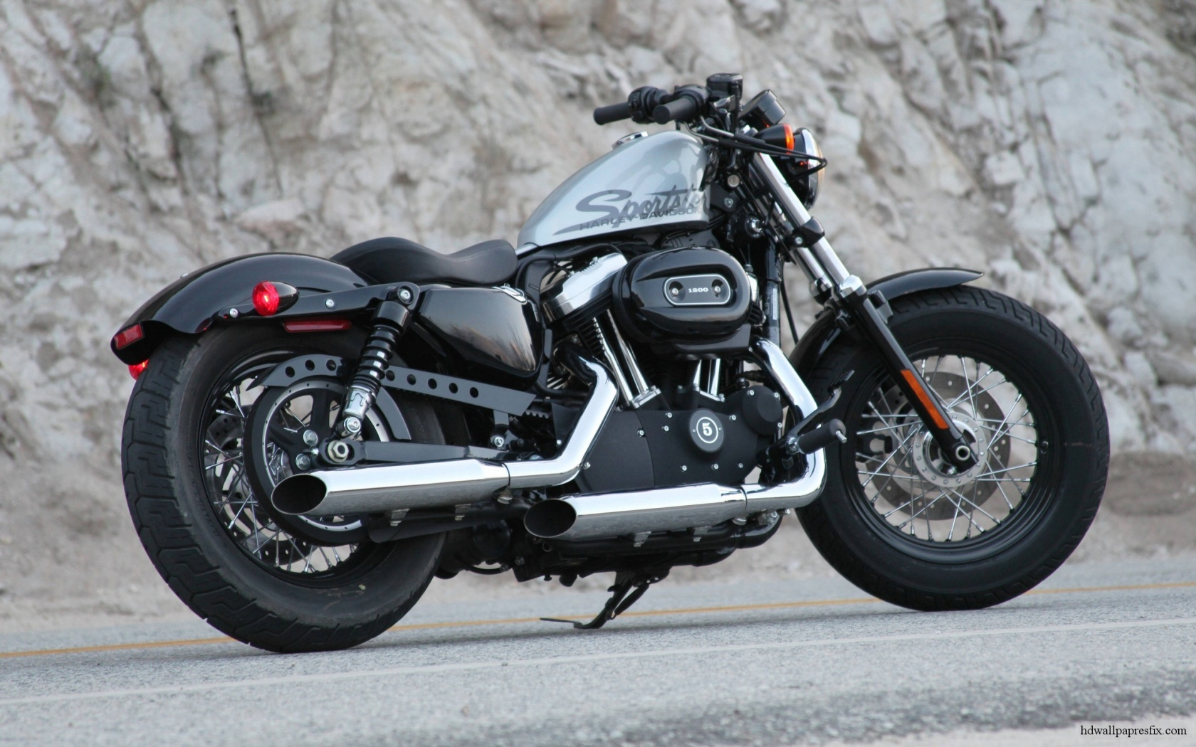 Download Harley Davidson 883 2048 X 2048 Wallpapers: Harley Davidson Motorcycles Pictures
