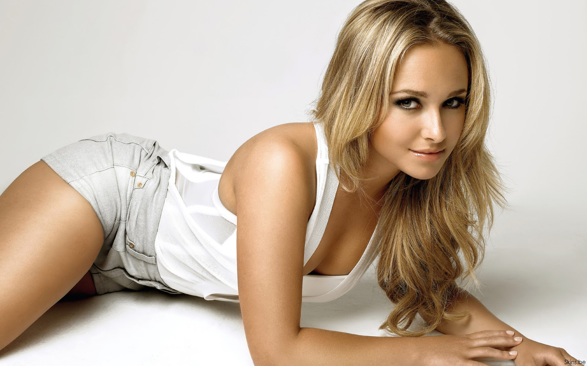 haydenpanettiere wallpapers hd A24