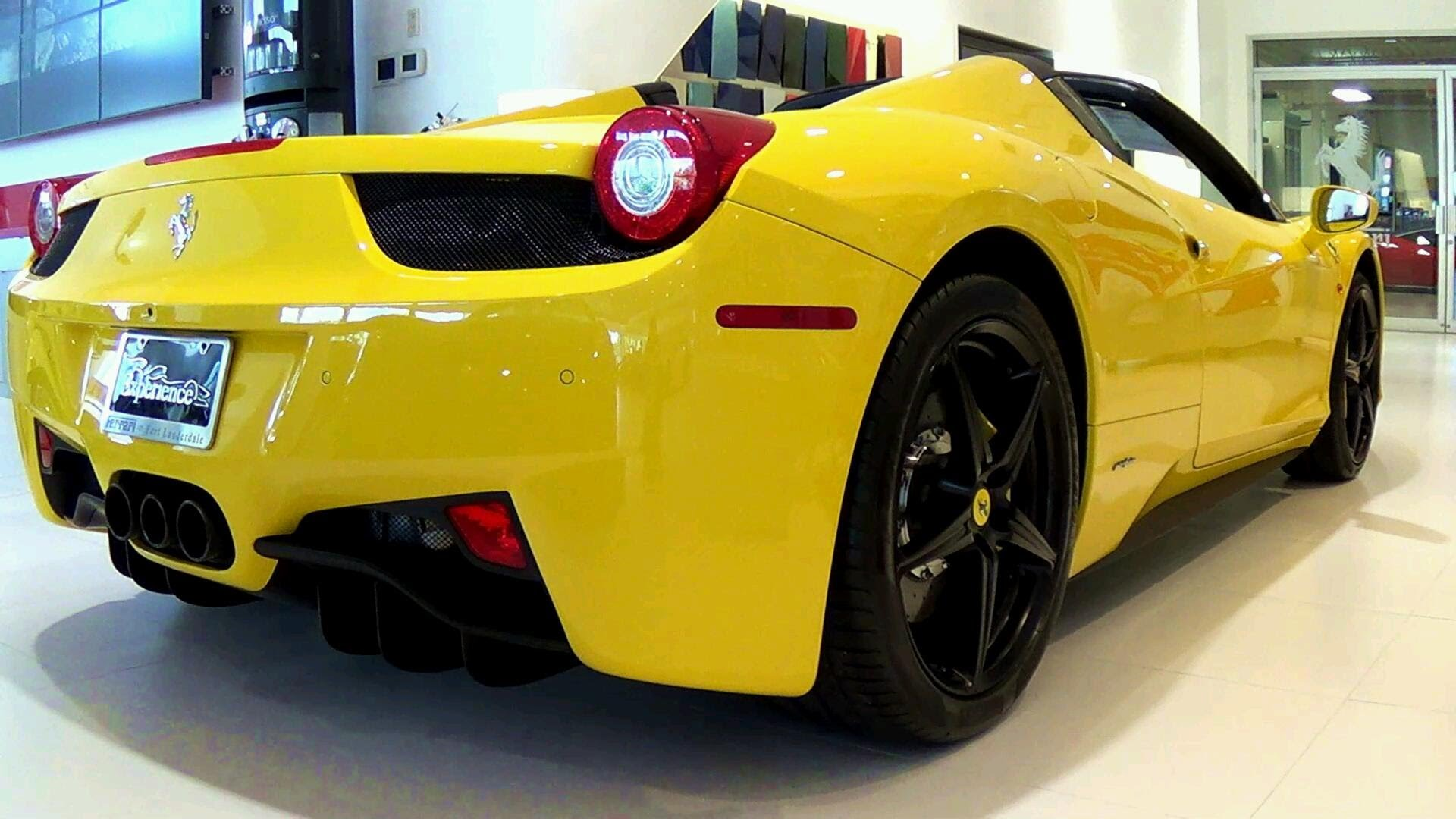italia 458 yellow wallpaper