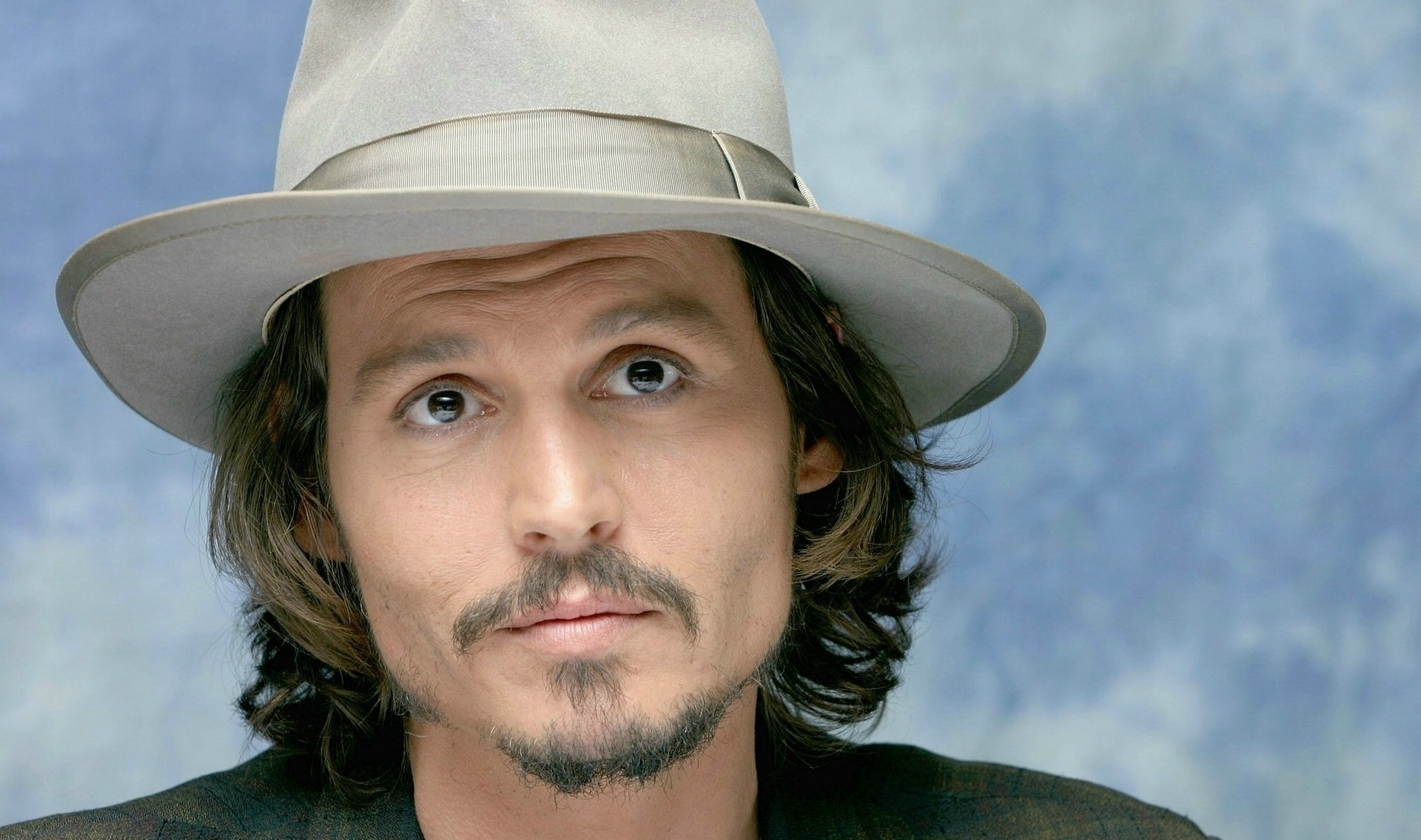 johnny depp wallpaper curious