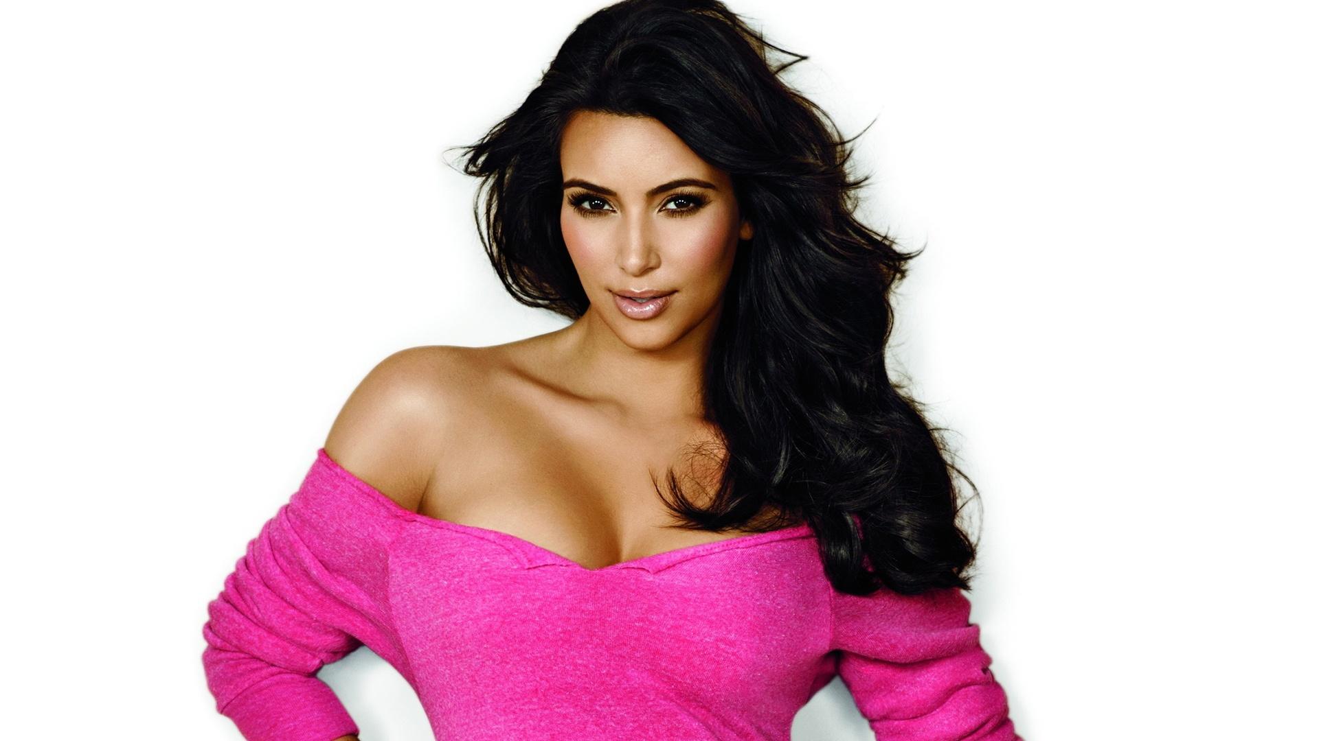 kim kardashian wallpapers hd A1
