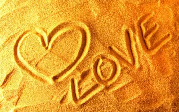 love wallpaper sand