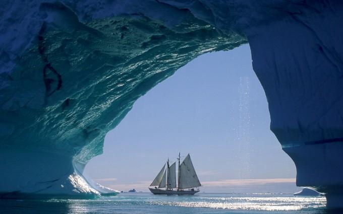 ocean wallpaper boat
