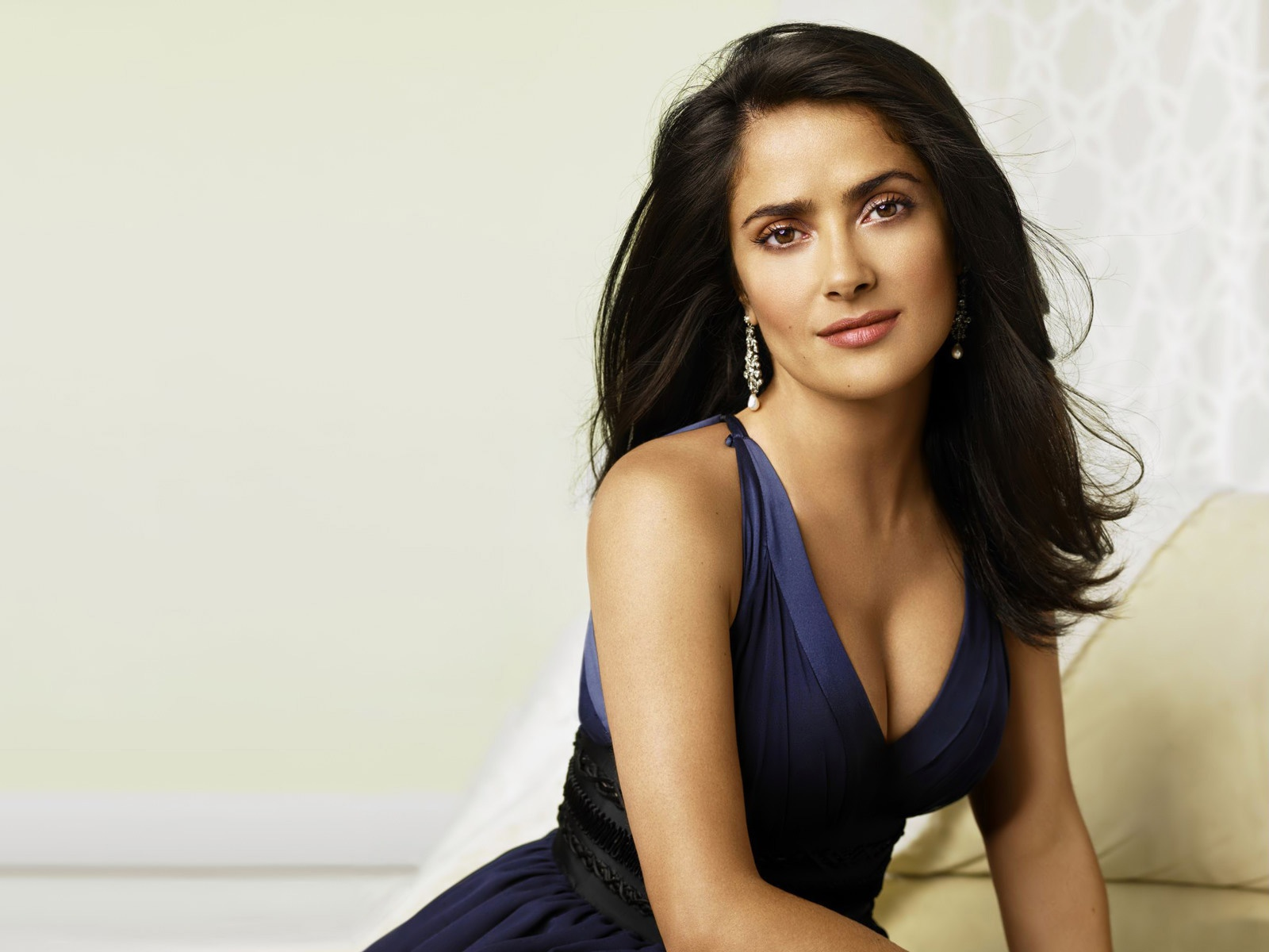 salma hayek wallpapers hd A1