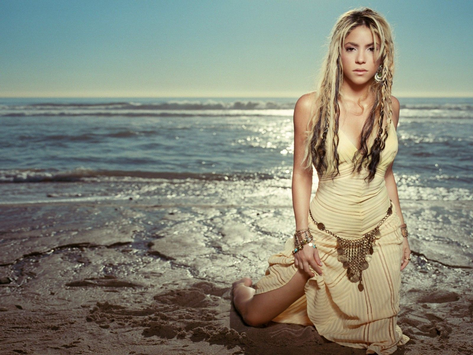 shakira wallpaper beach