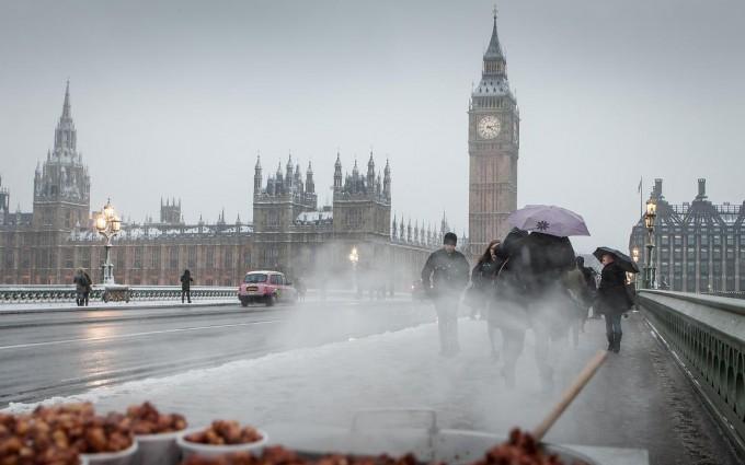 London Peanut seller in winter