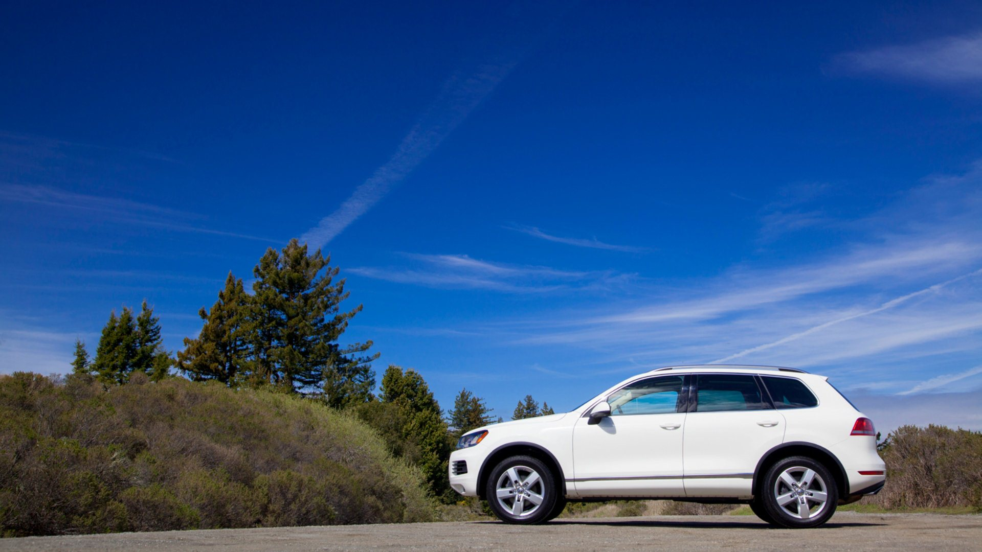 Volkswagen Touareg wallpapers white