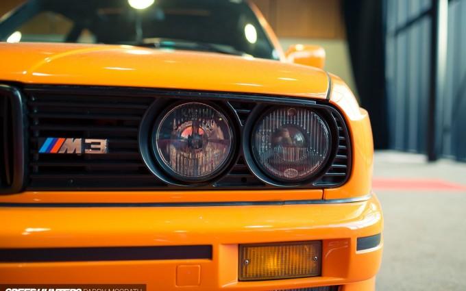 bmw e30 yellow