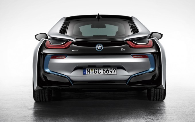 bmw i8 back dark