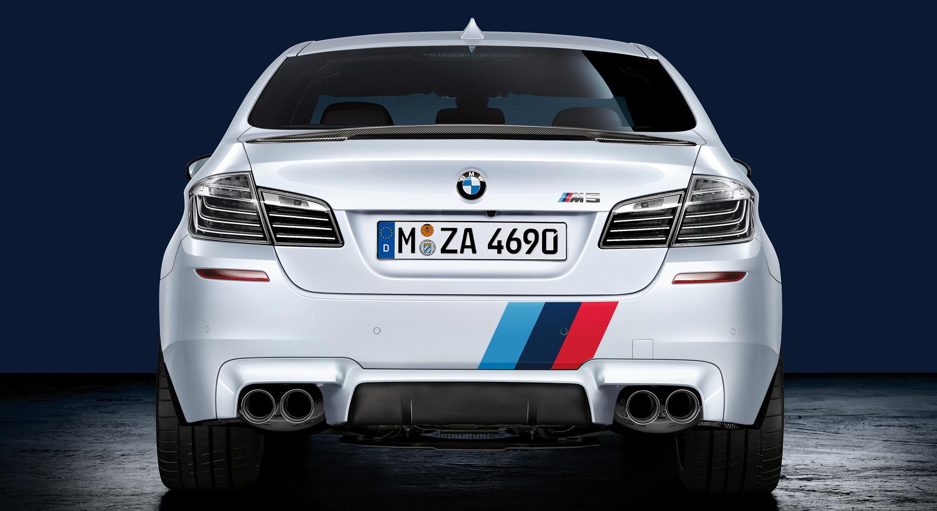 bmw m5  back white