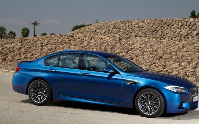 bmw m5 blue