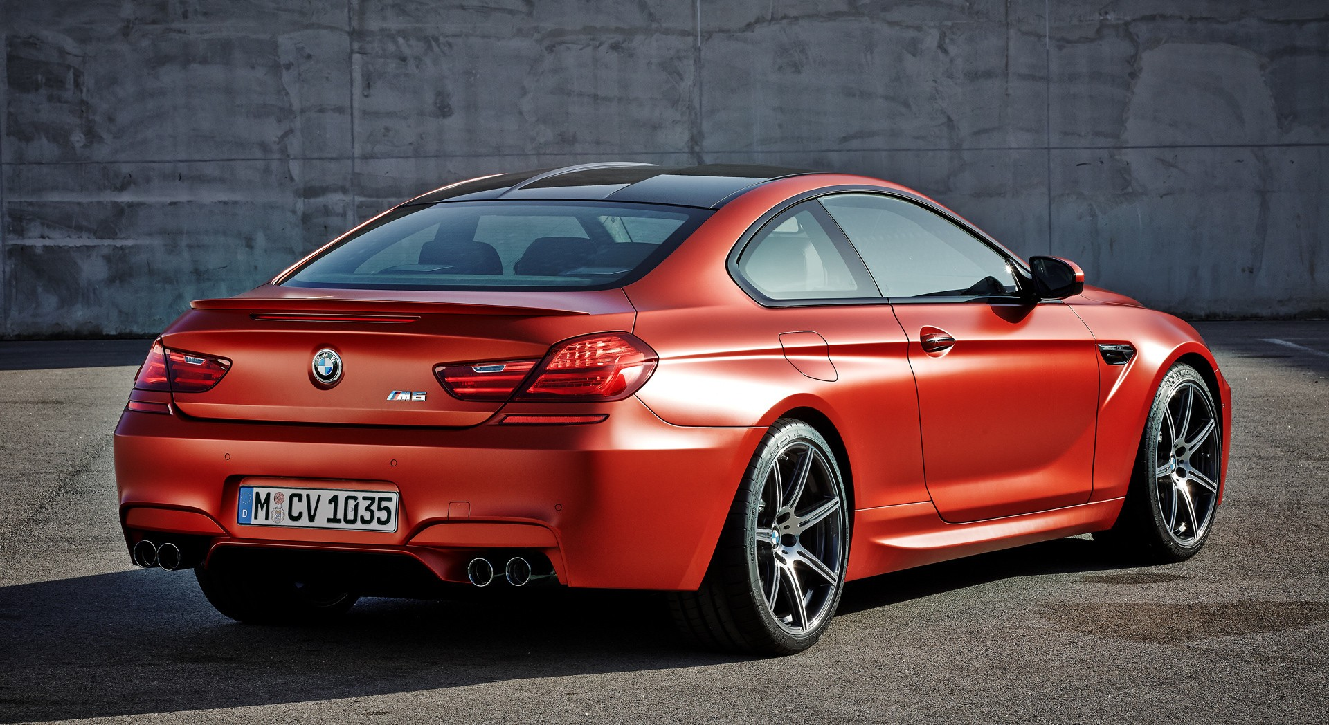 bmw m6  wallpapers rear