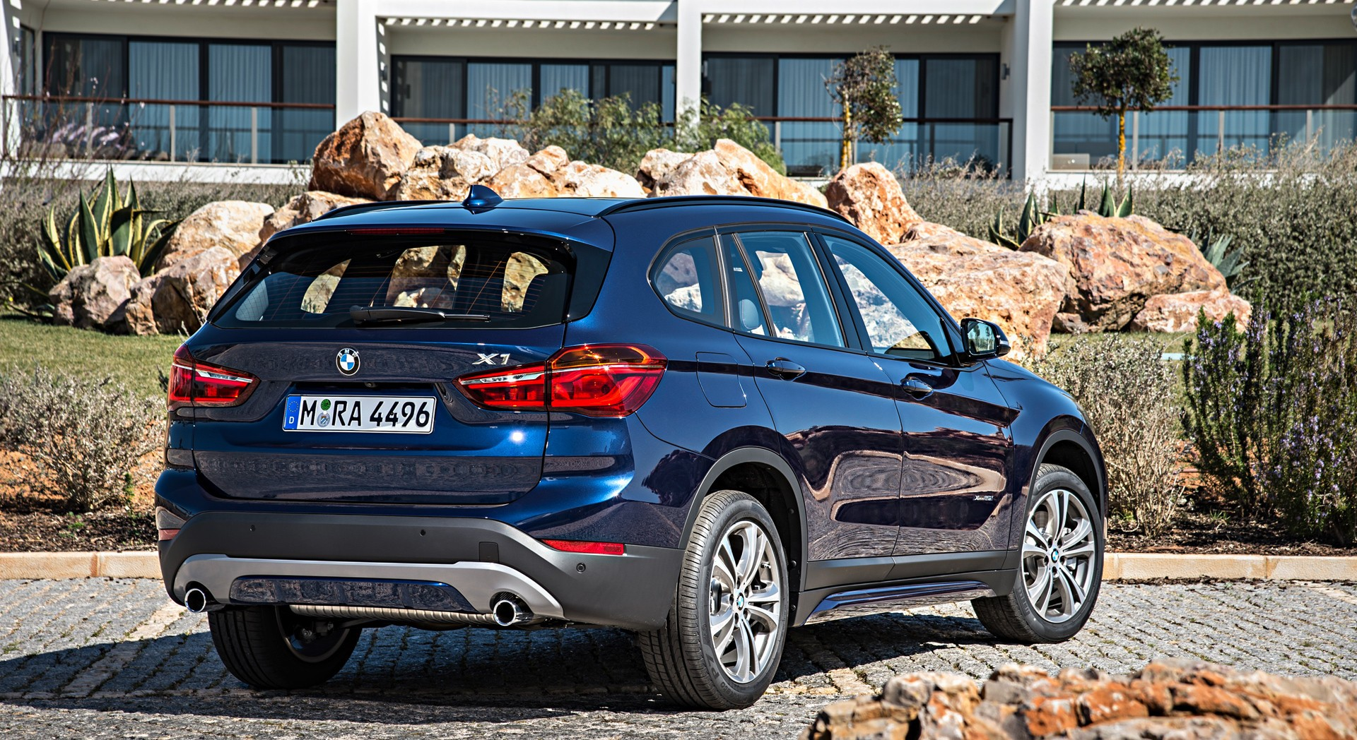 bmw x1 blue rear