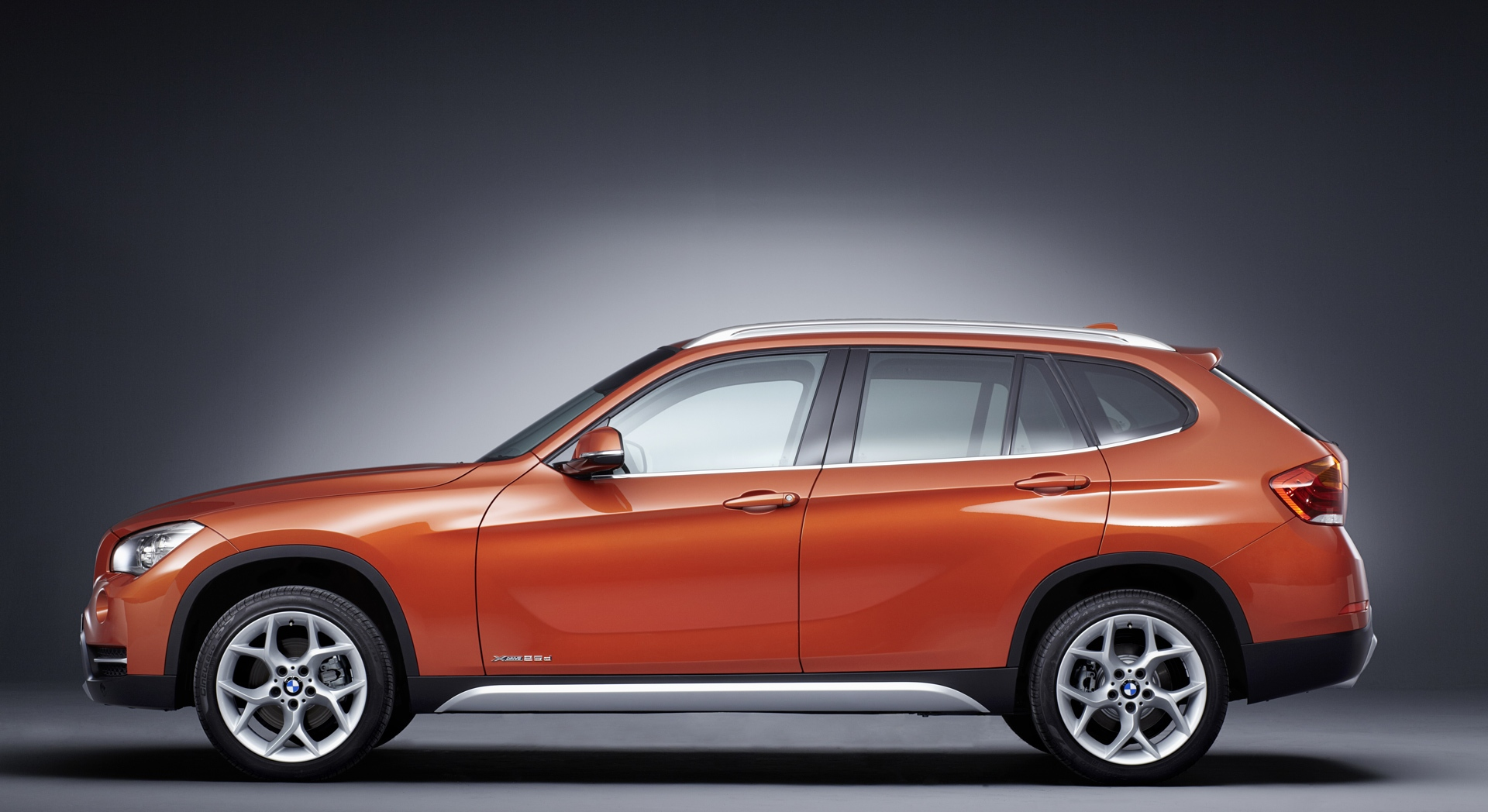 bmw x1 orange download