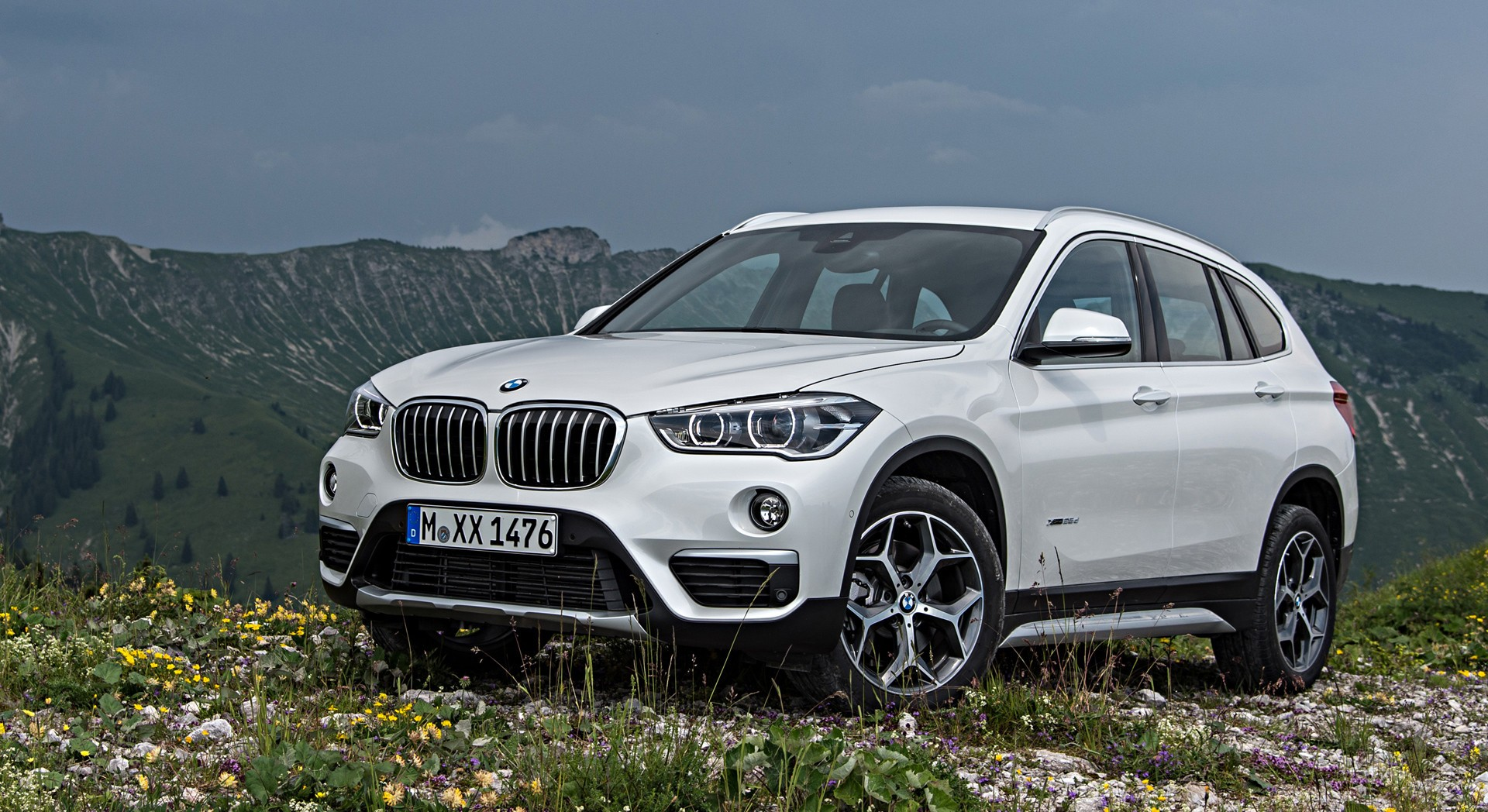 bmw x1 white car hd desktop wallpapers 4k hd. Black Bedroom Furniture Sets. Home Design Ideas