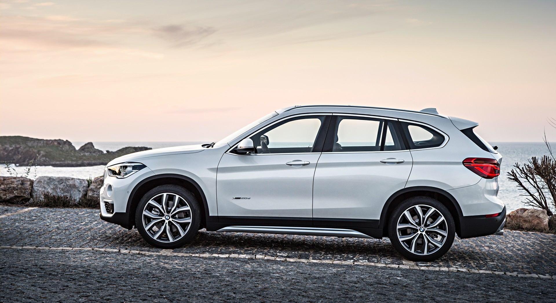 bmw x1 white free download
