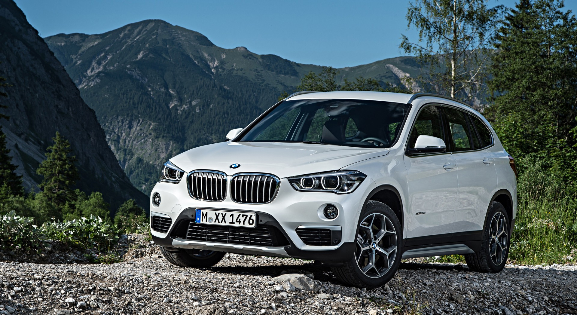 bmw x1 white specification