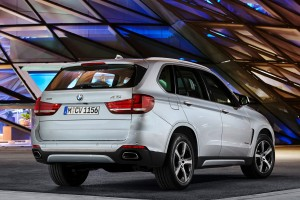 bmw x5 rear view