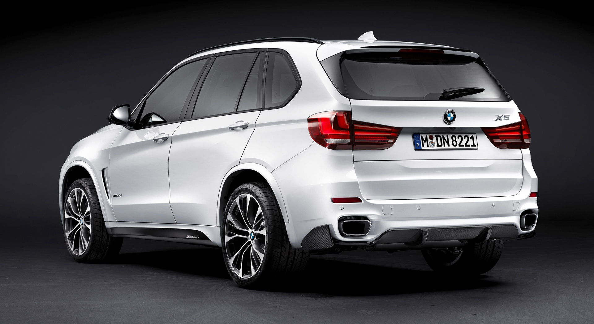 bmw x5 white mobile