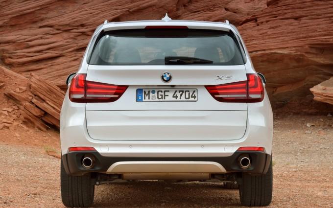 bmw x5 white rear