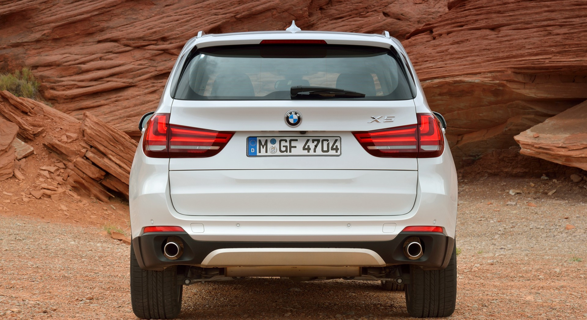 bmw x5 white rear