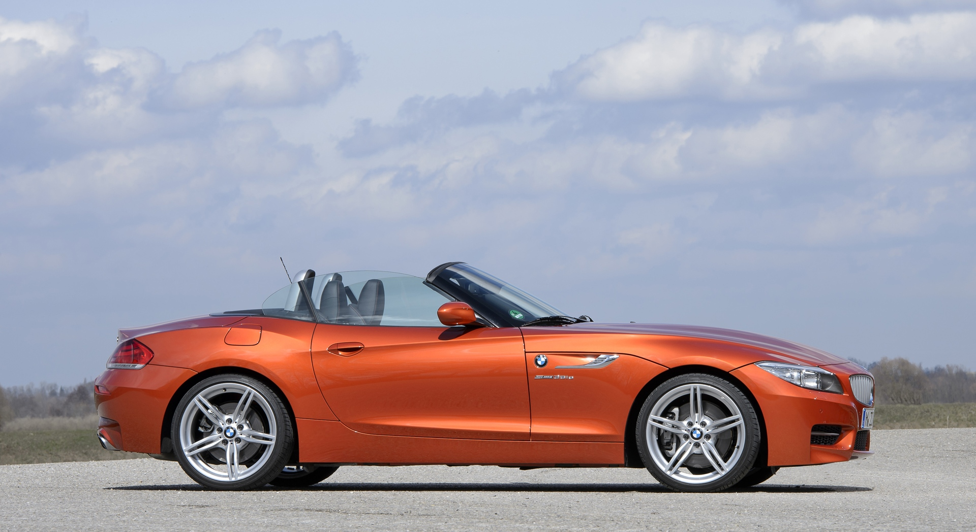 bmw z4 orange sides