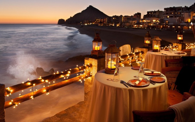 candlelight dinner romantic