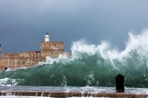 crashing waves tsunami