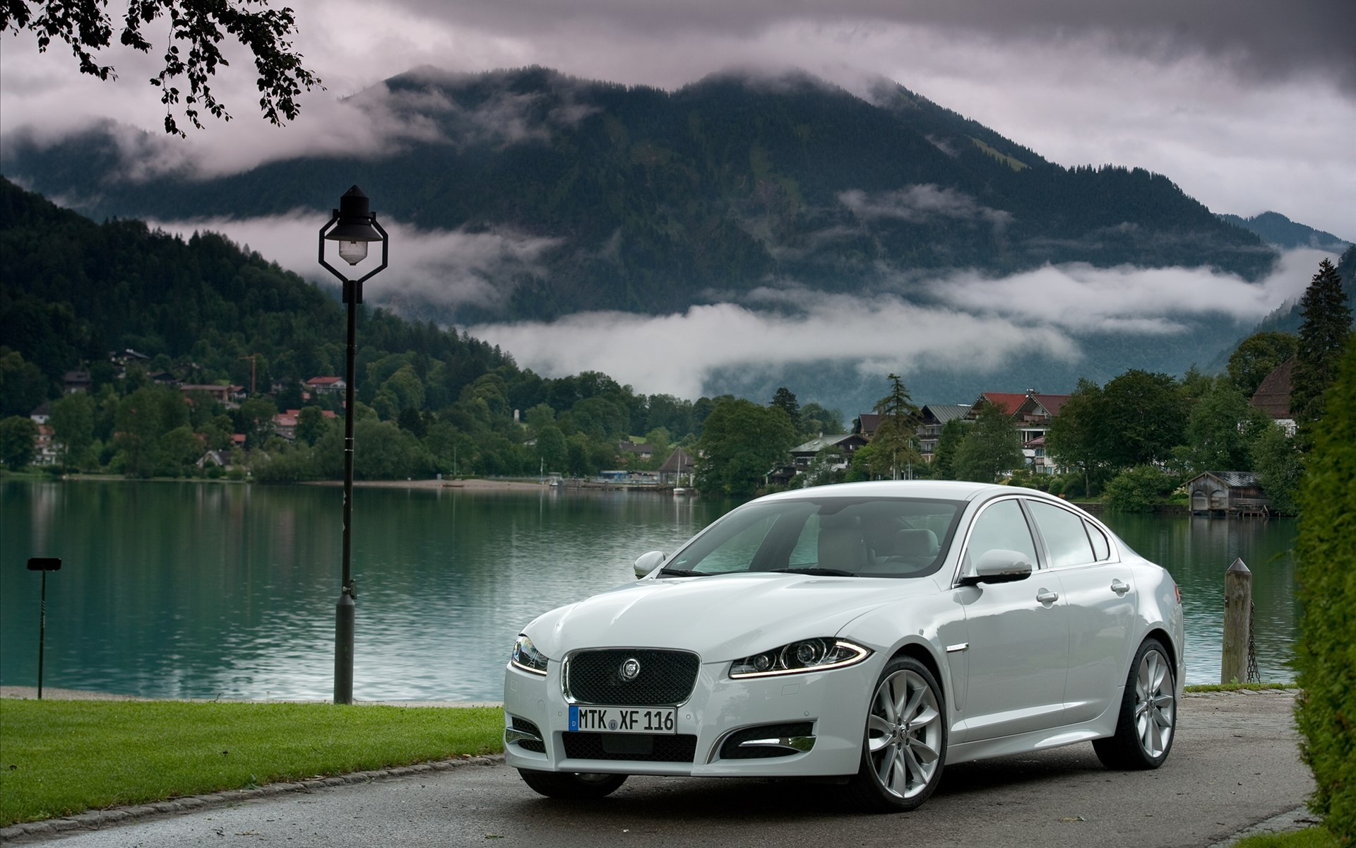 jaguar xf luxurious