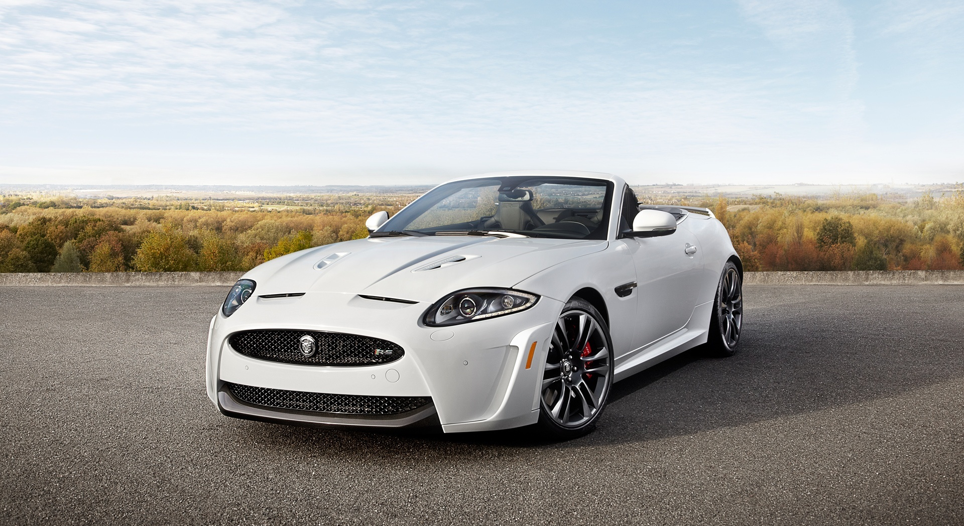 jaguar xkr white