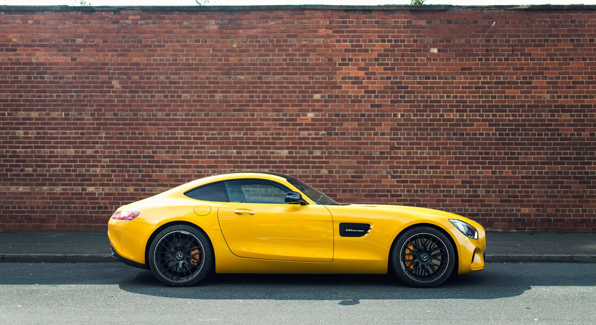 mercedes amg gt widescreen
