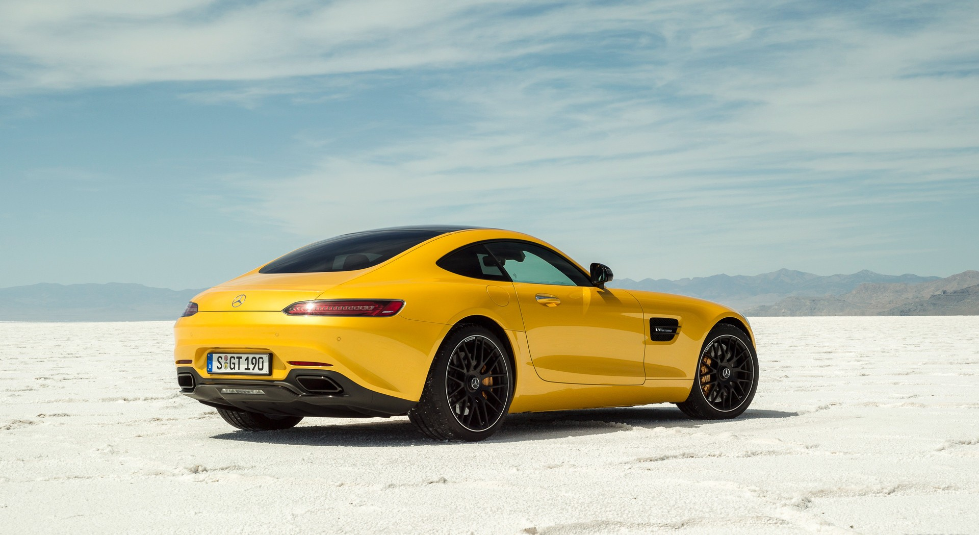 mercedes amg gt yellow great