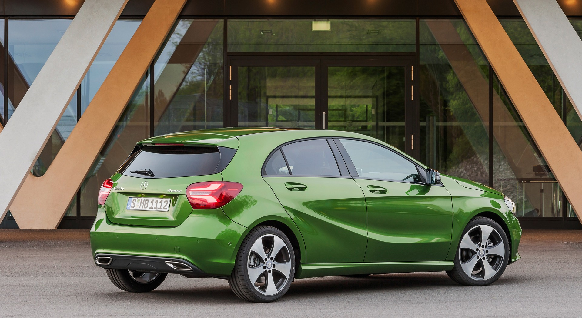 Mercedes benz a class green hd desktop wallpapers 4k hd for Mercedes benz a class