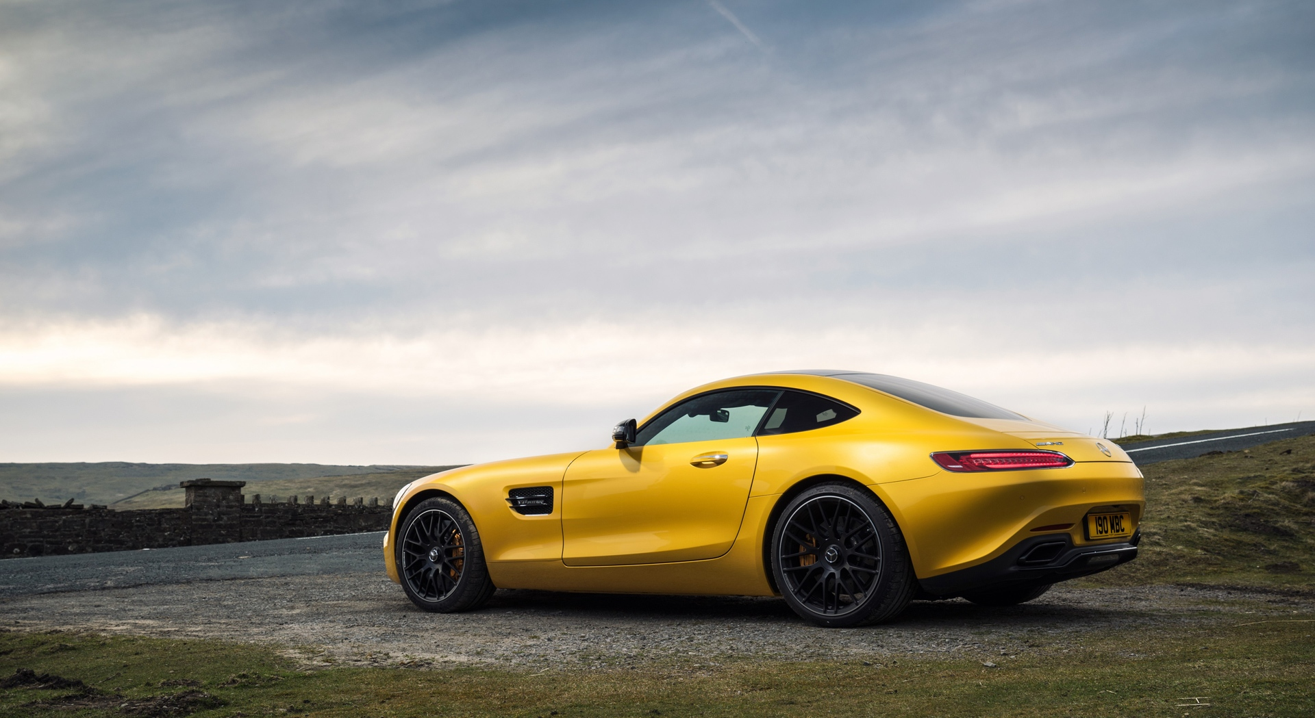 mercedes benz amg gt yellow download