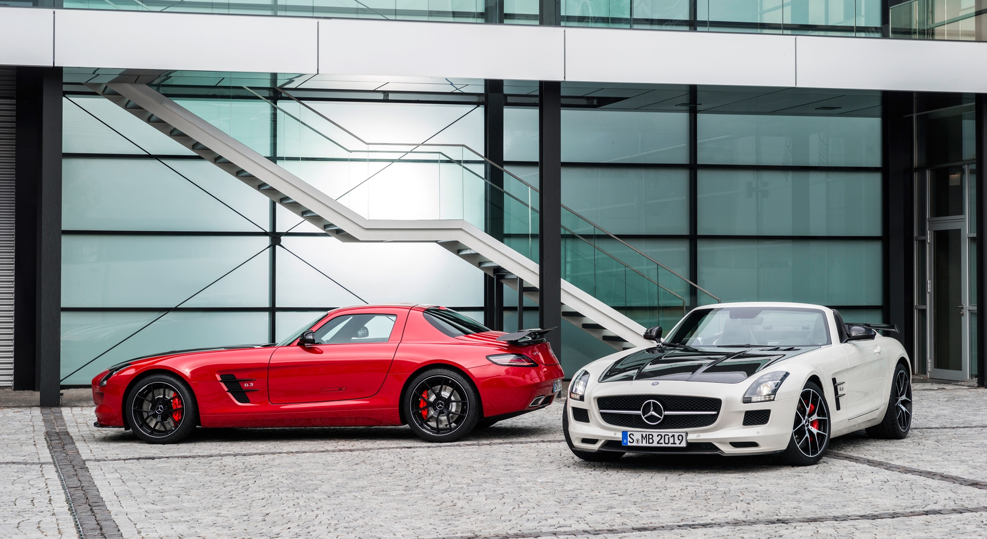 mercedes benz sls amg white red