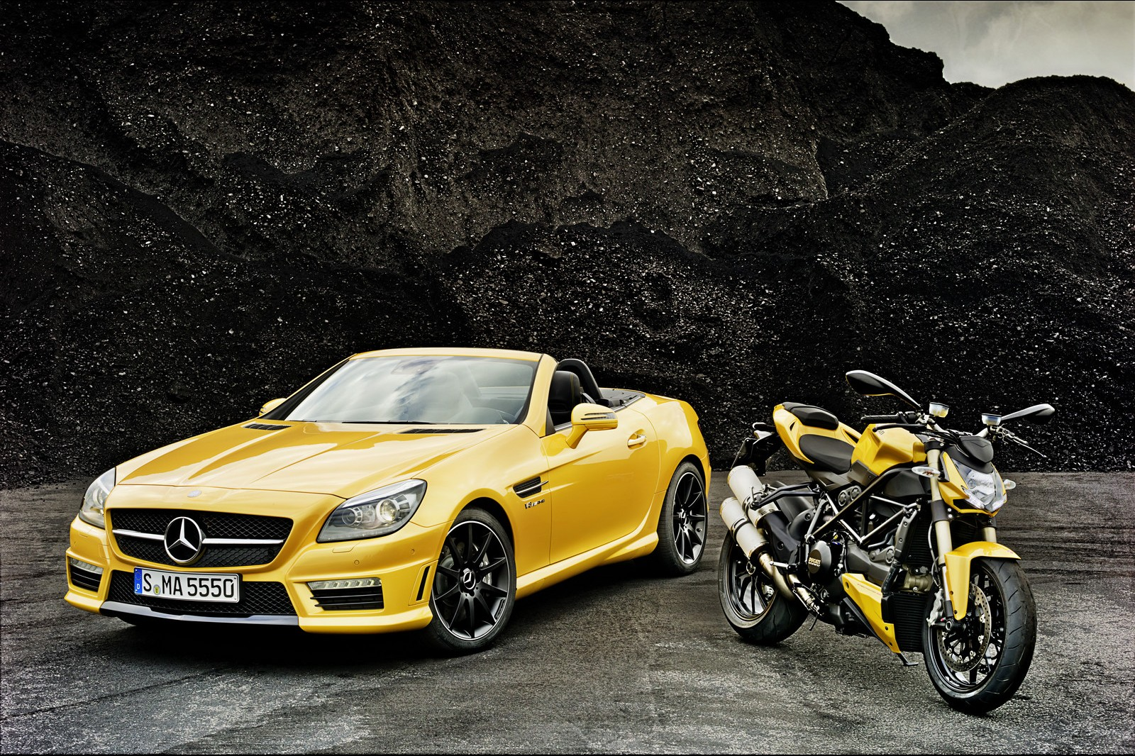 mercedes slk yellow photo