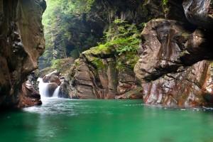 mountain wallpaper green river