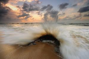 rock wallpaper sea
