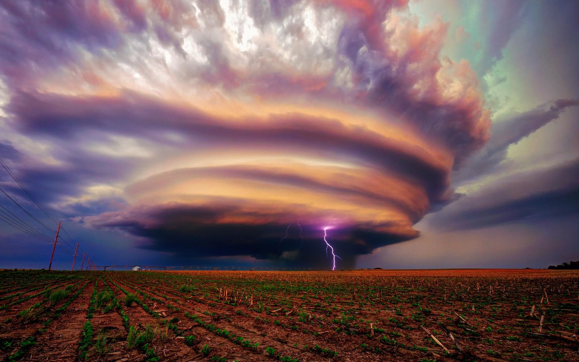 storm lighting field