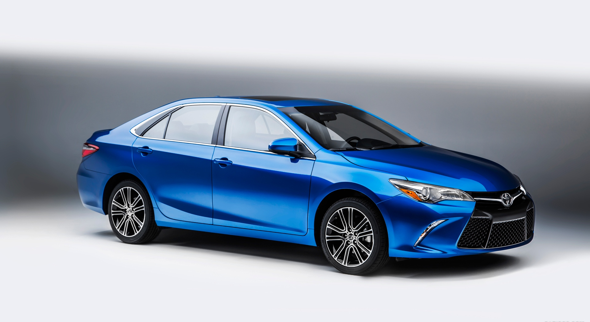 toyota camry blue wallpaper