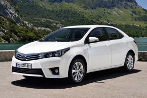 toyota corolla white pictures