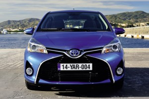 toyota yaris blue front