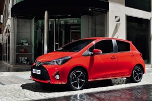toyota yaris hatchback wallpaper