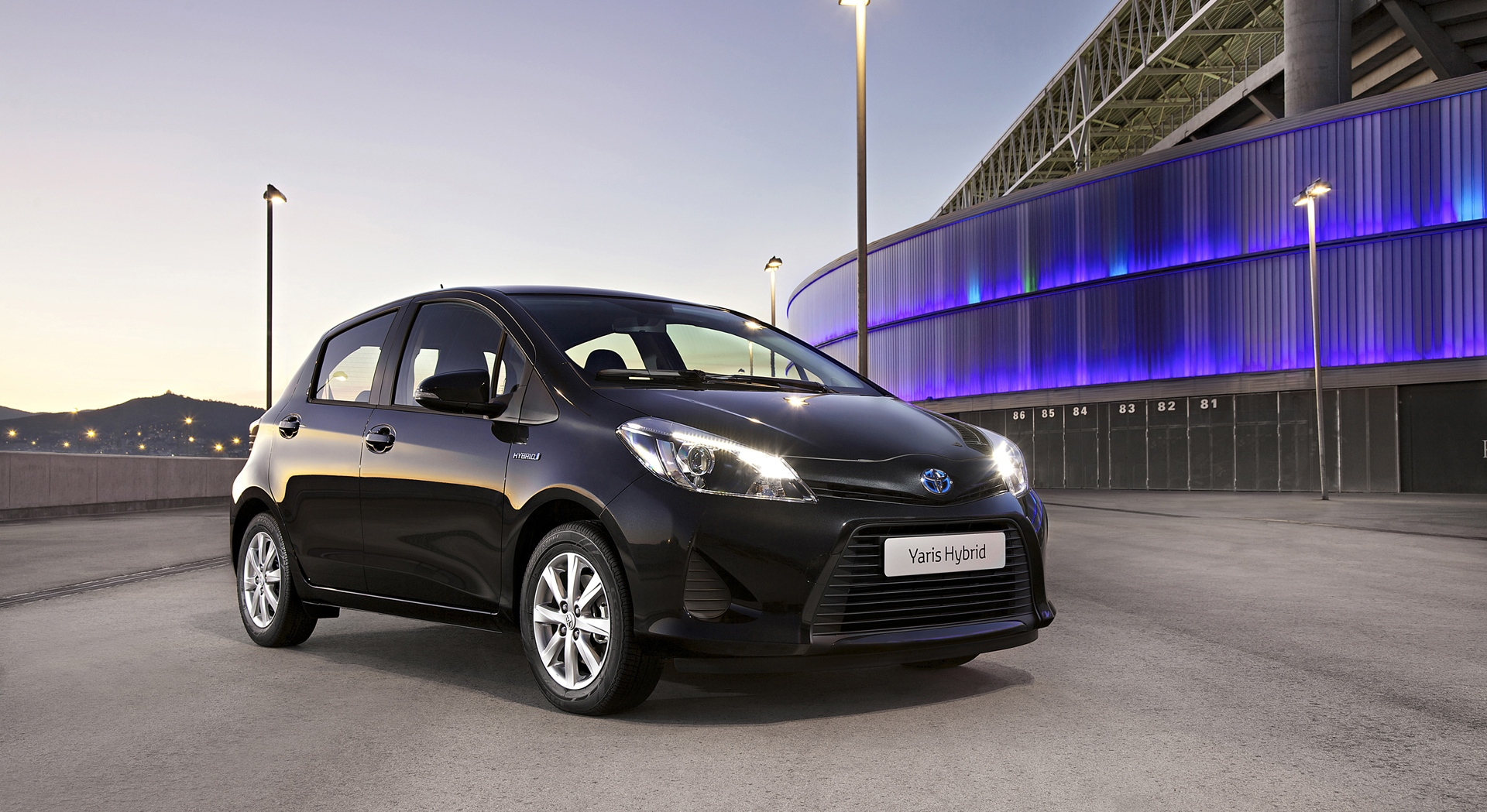 Toyota Yaris Hatchback - HD Desktop Wallpapers
