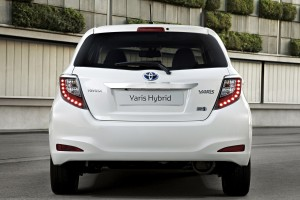 toyota yaris hybrid rear