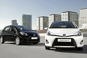 toyota yaris hybrid white and black